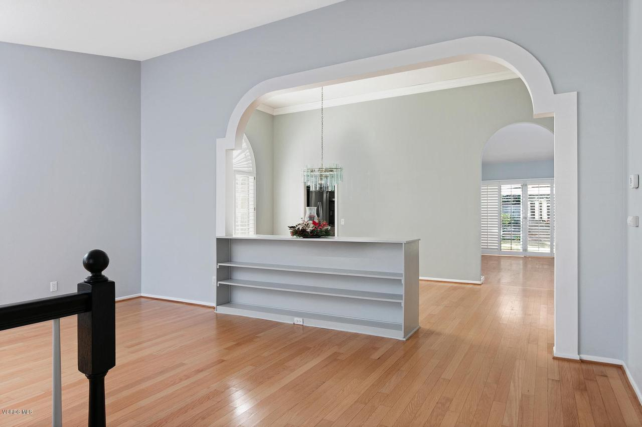 1795 FOX SPRINGS, Newbury Park, CA 91320 - 1795 Fox Springs Cir-002-32-Living Room-