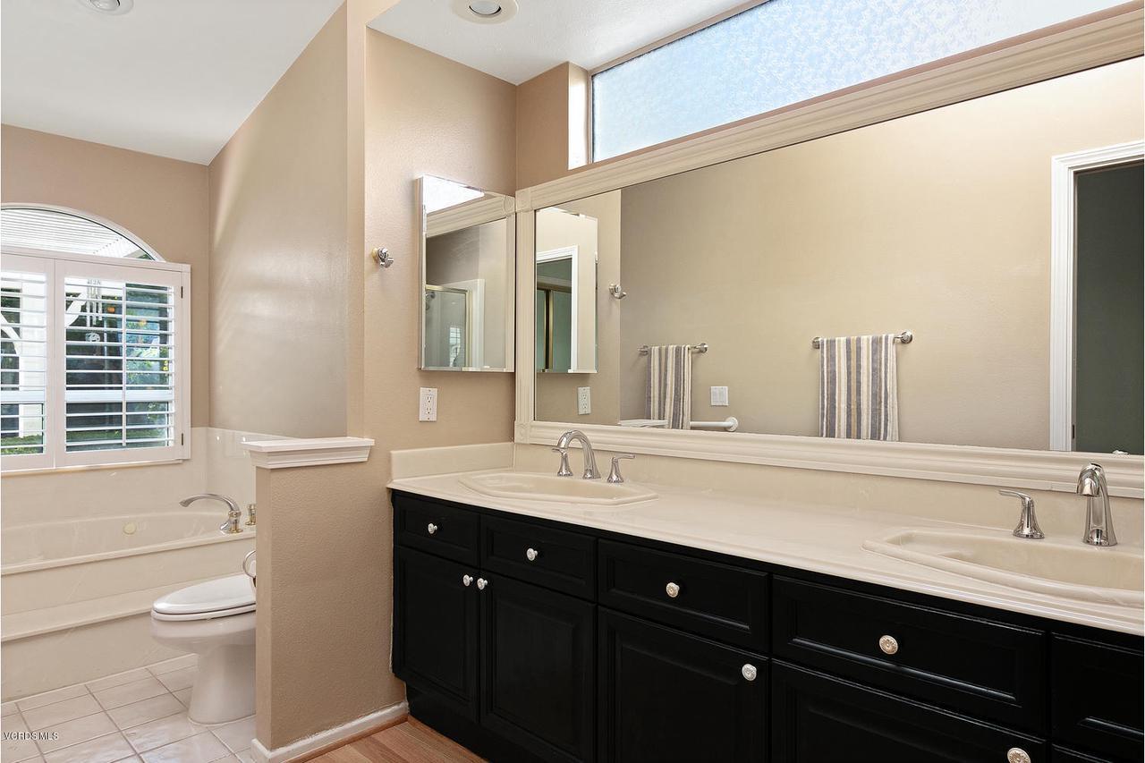 1795 FOX SPRINGS, Newbury Park, CA 91320 - 1795 Fox Springs Cir-013-30-Master Bath-