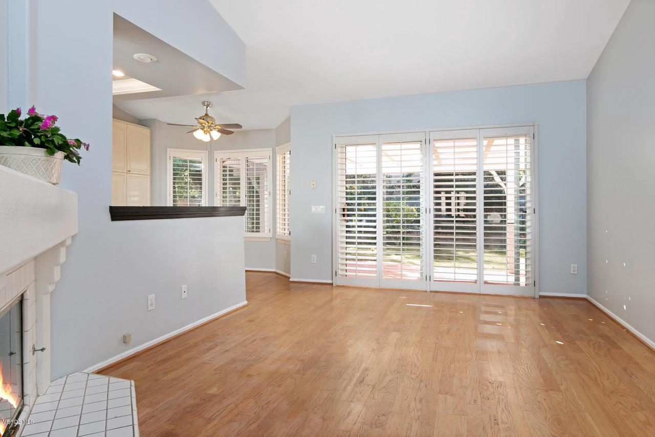 1795 FOX SPRINGS, Newbury Park, CA 91320 - 1795 Fox Springs Cir-006-29-Family Room-