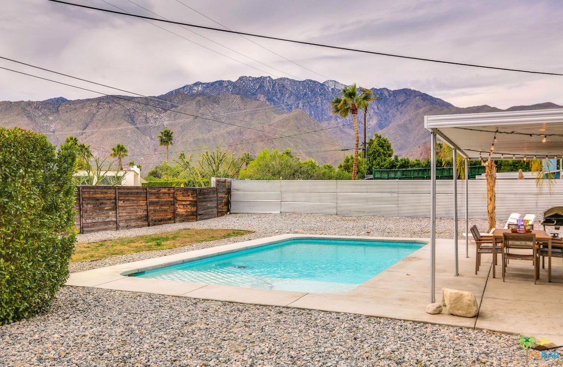 1077 FRANCIS, Palm Springs, CA 92262