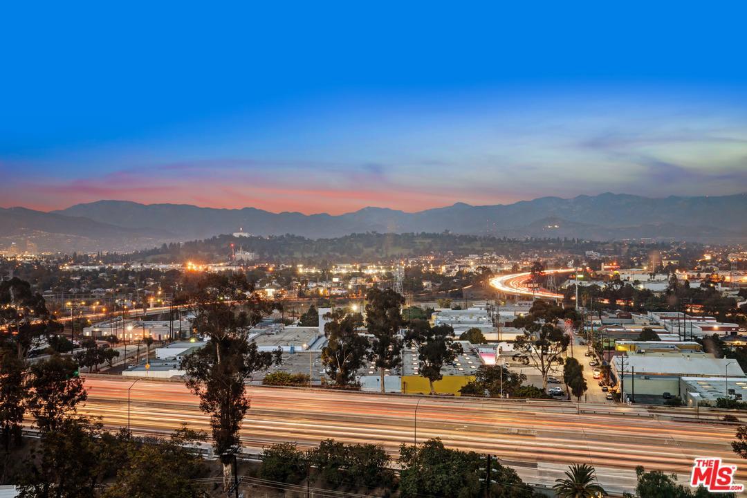 2592 ADELBERT, Los Angeles (City), CA 90039
