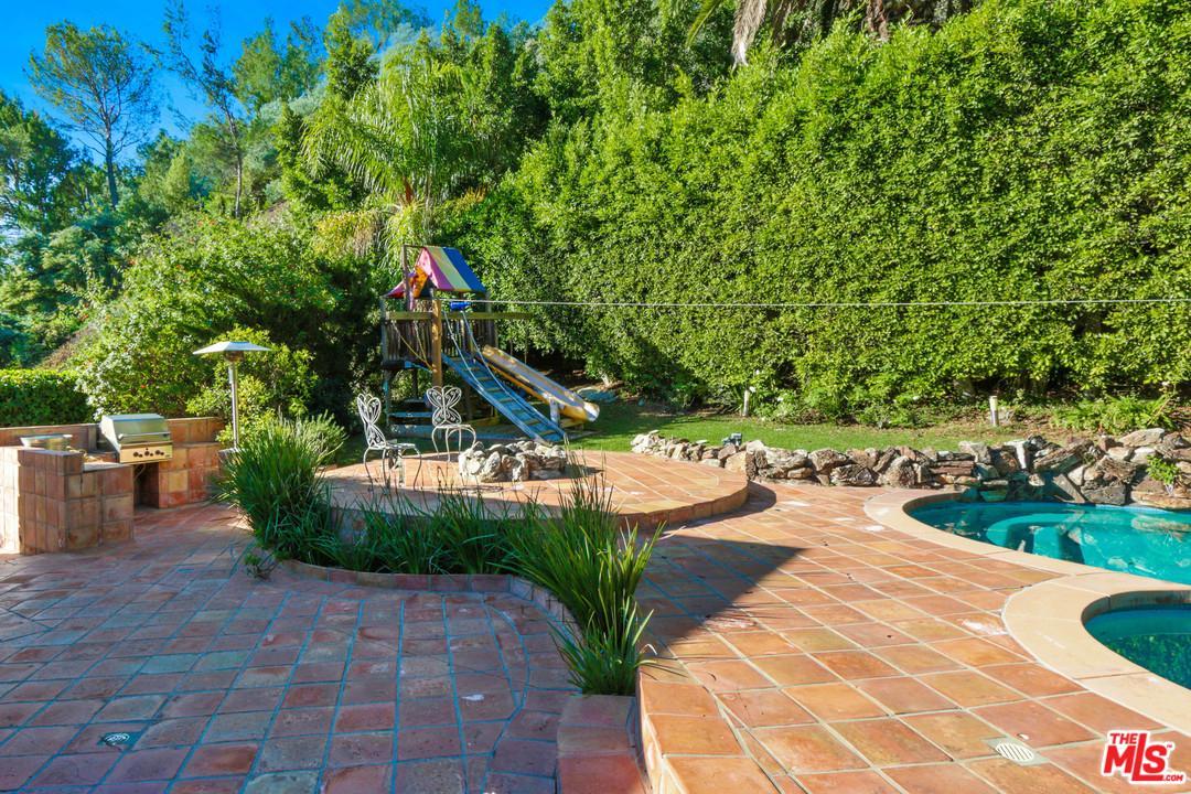 1043 LOMA VISTA, Beverly Hills, CA 90210