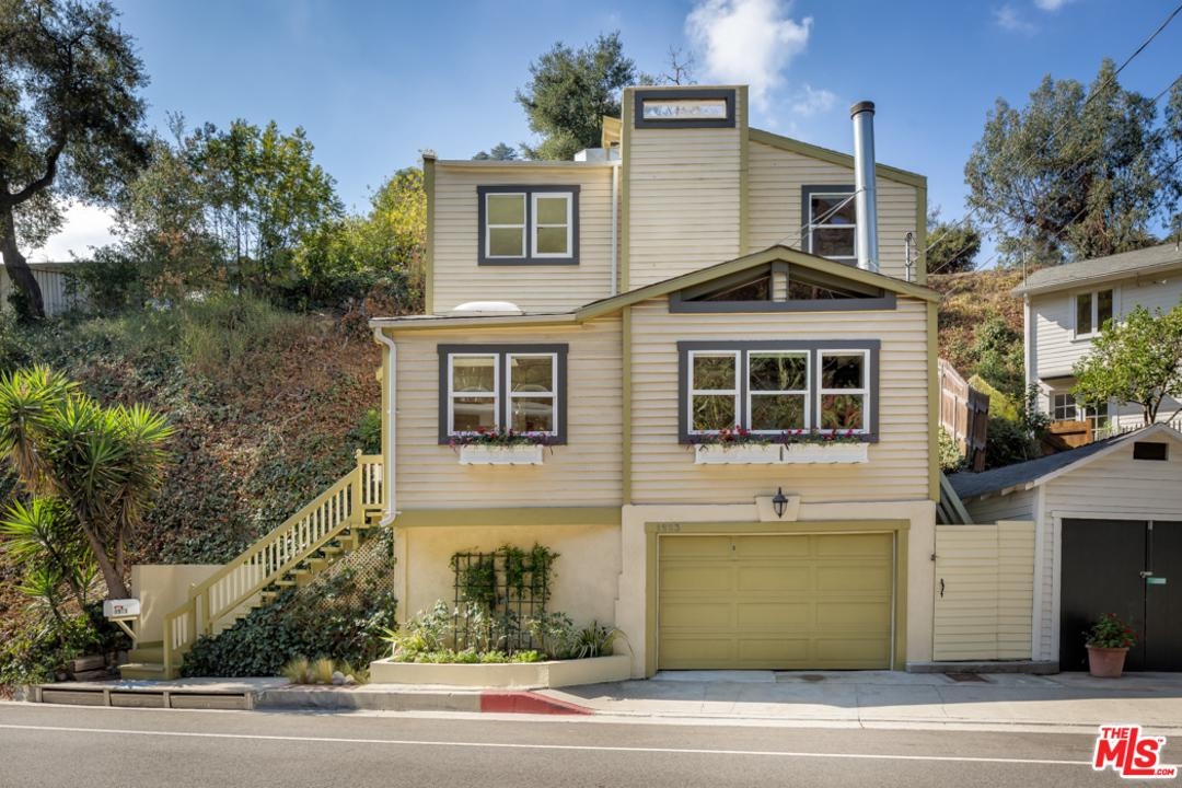 Photo of 1523 N BEVERLY GLEN, Los Angeles, CA 90077