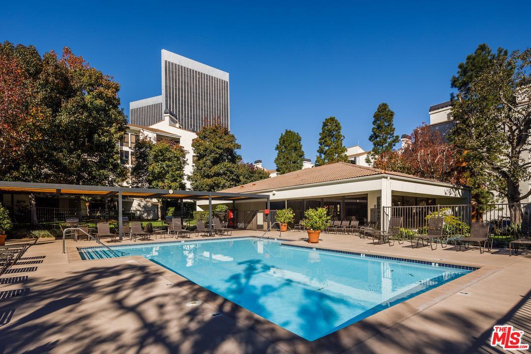 2112 CENTURY PARK, Los Angeles (City), CA 90067