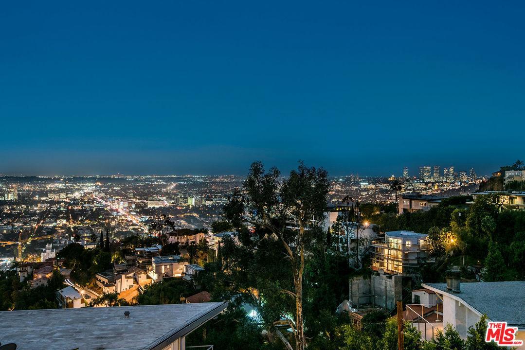 8445 FRANKLIN, Los Angeles (City), CA 90069