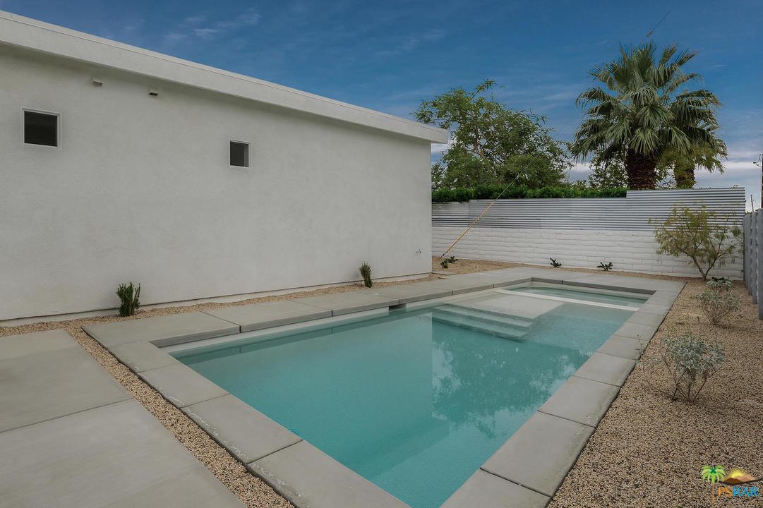 499 DOMINGUEZ, Palm Springs, CA 92262