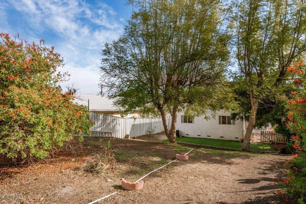 701 BROSSARD, Thousand Oaks, CA 91360 - 021-21-Back Yard_m