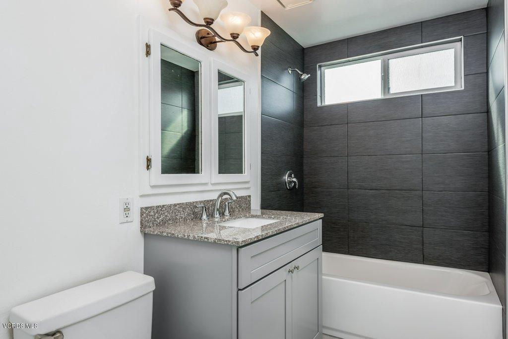 701 BROSSARD, Thousand Oaks, CA 91360 - 018-18-Bathroom 2_m