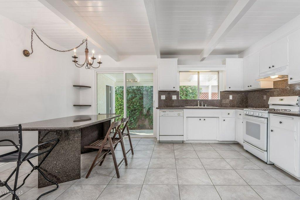 701 BROSSARD, Thousand Oaks, CA 91360 - 007-07-Kitchen_m