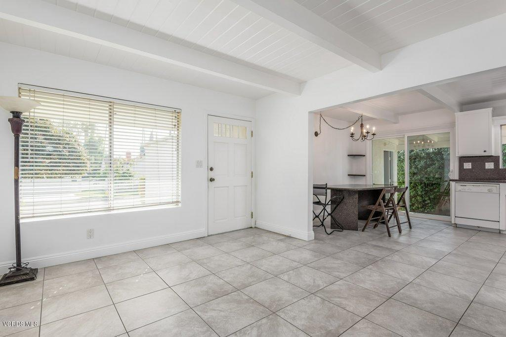701 BROSSARD, Thousand Oaks, CA 91360 - 006-06-Living Room_m