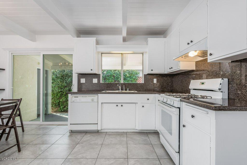 701 BROSSARD, Thousand Oaks, CA 91360 - 009-09-Kitchen_m