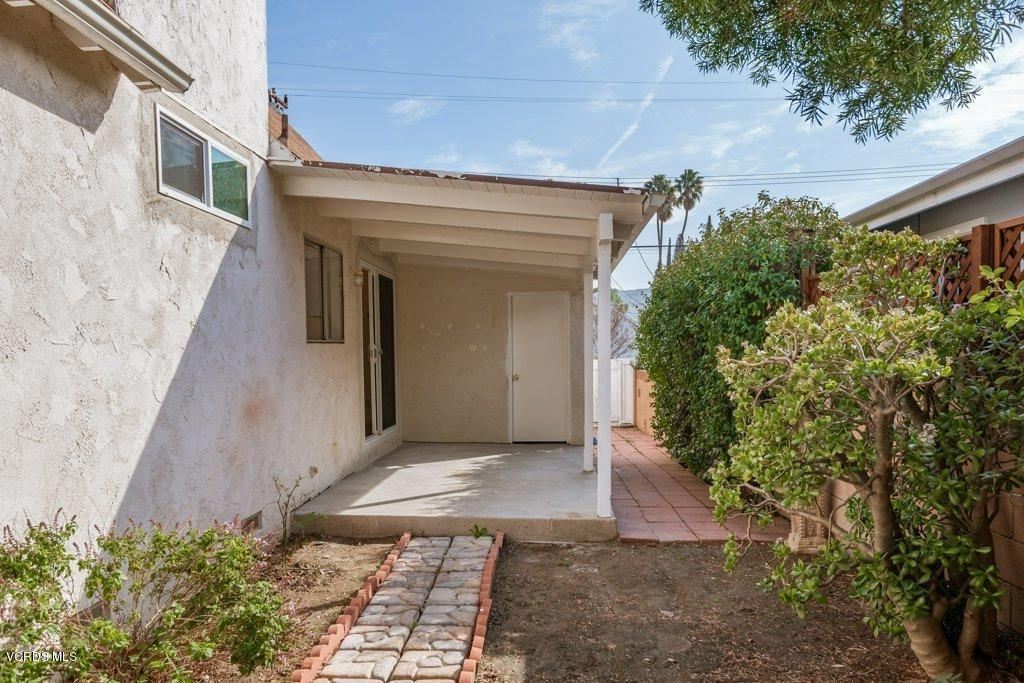 701 BROSSARD, Thousand Oaks, CA 91360 - 010-10-Side Porch_m