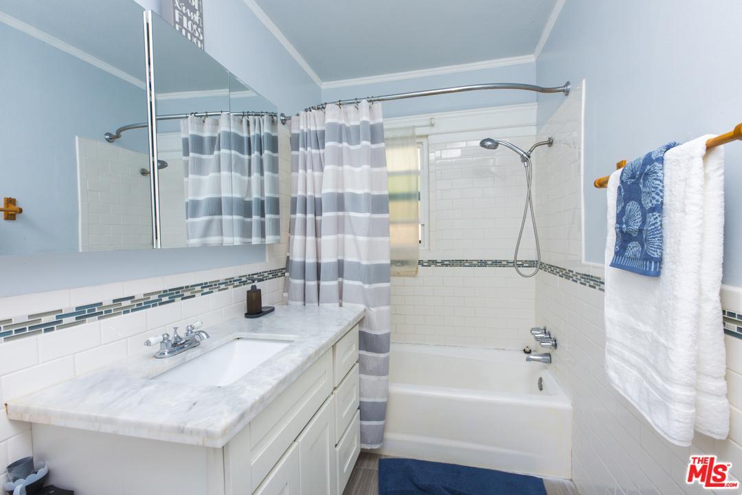 5617 DEANE, Windsor Hills, CA 90043