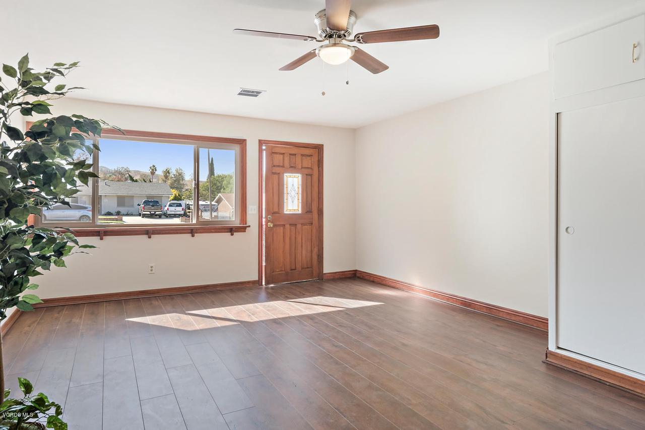 2709 FITZGERALD, Simi Valley, CA 93065 - 2709 Fitzgerald Rd Simi Valley-large-017