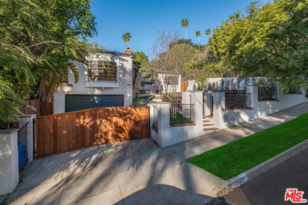 1803 STANLEY, Los Angeles (City), CA 90046