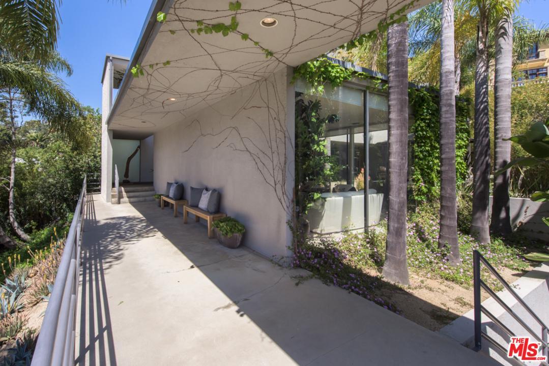 Photo of 1136 SAN YSIDRO DR, Beverly Hills, CA 90210