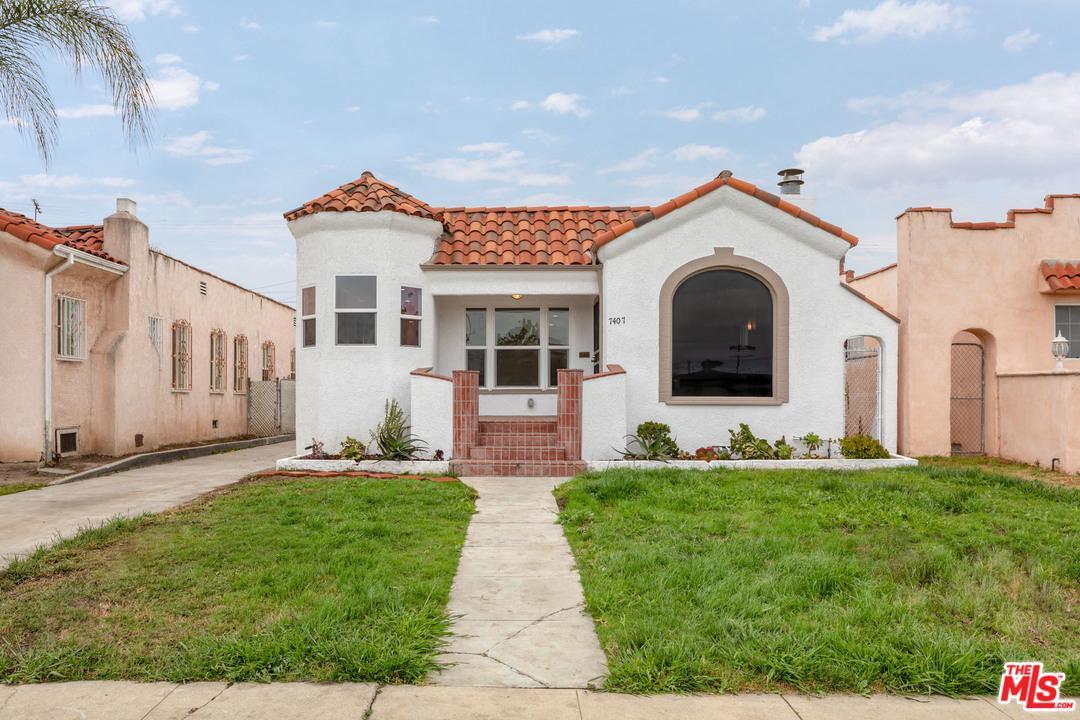 7407 DALTON, Los Angeles (City), CA 90047