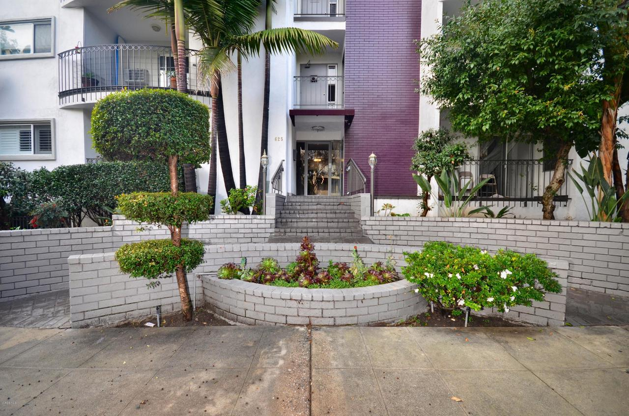 Photo of 625 NORTH FLORES STREET #107, West Hollywood, CA 90069