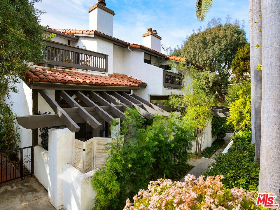 Photo of 1532 MICHAEL LN, Pacific Palisades, CA 90272