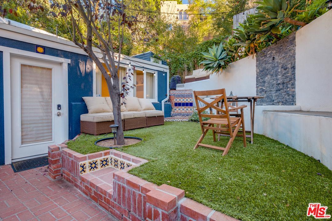 8404 KIRKWOOD, Los Angeles (City), CA 90046