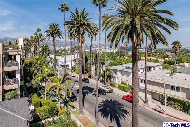 Photo of 439 NORTH DOHENY DRIVE #202, Beverly Hills, CA 90210