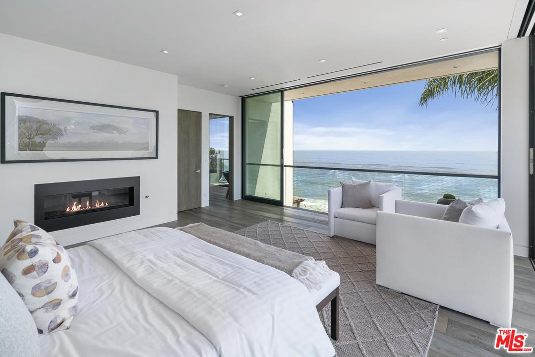 Photo of 31824 SEAFIELD DR, Malibu, CA 90265