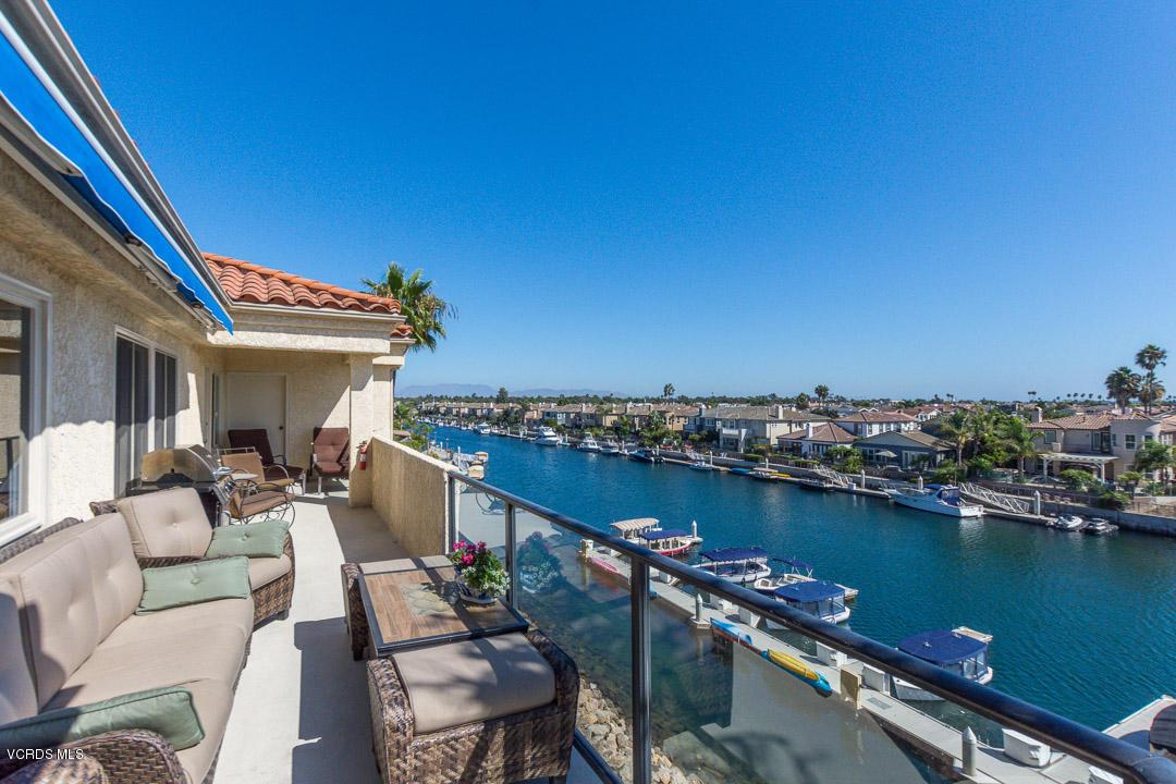 Photo of 4216 HARBOUR ISLAND LANE, Oxnard, CA 93035