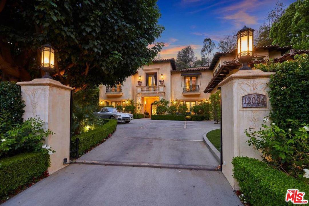 Photo of 12094 SUMMIT CIR, Beverly Hills, CA 90210
