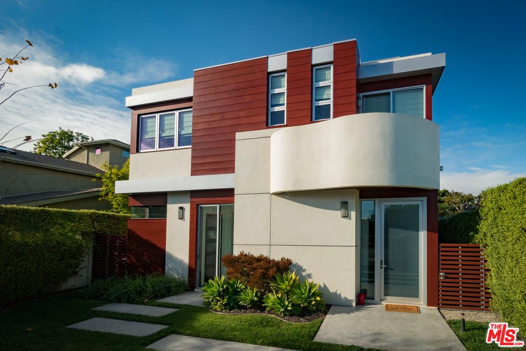 Photo of 913 DICKSON ST, Marina Del Rey, CA 90292