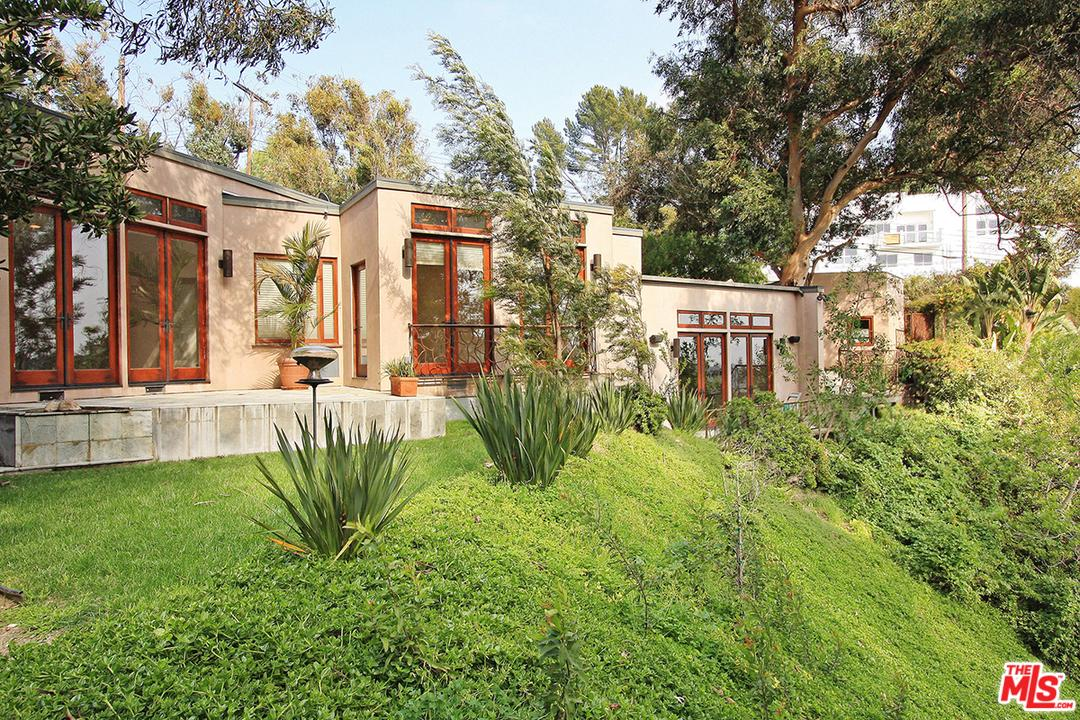 3193 BENEDICT CANYON, Beverly Hills, CA 90210
