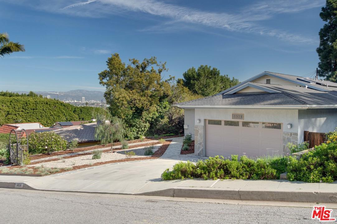 Photo of 3834 PERHAM DR, Culver City, CA 90232