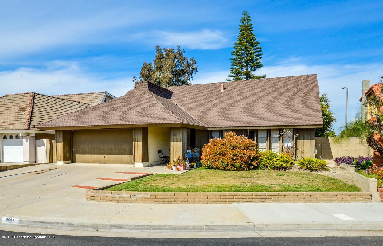 9691 CAITHNESS, Huntington Beach, CA 92646 - Front