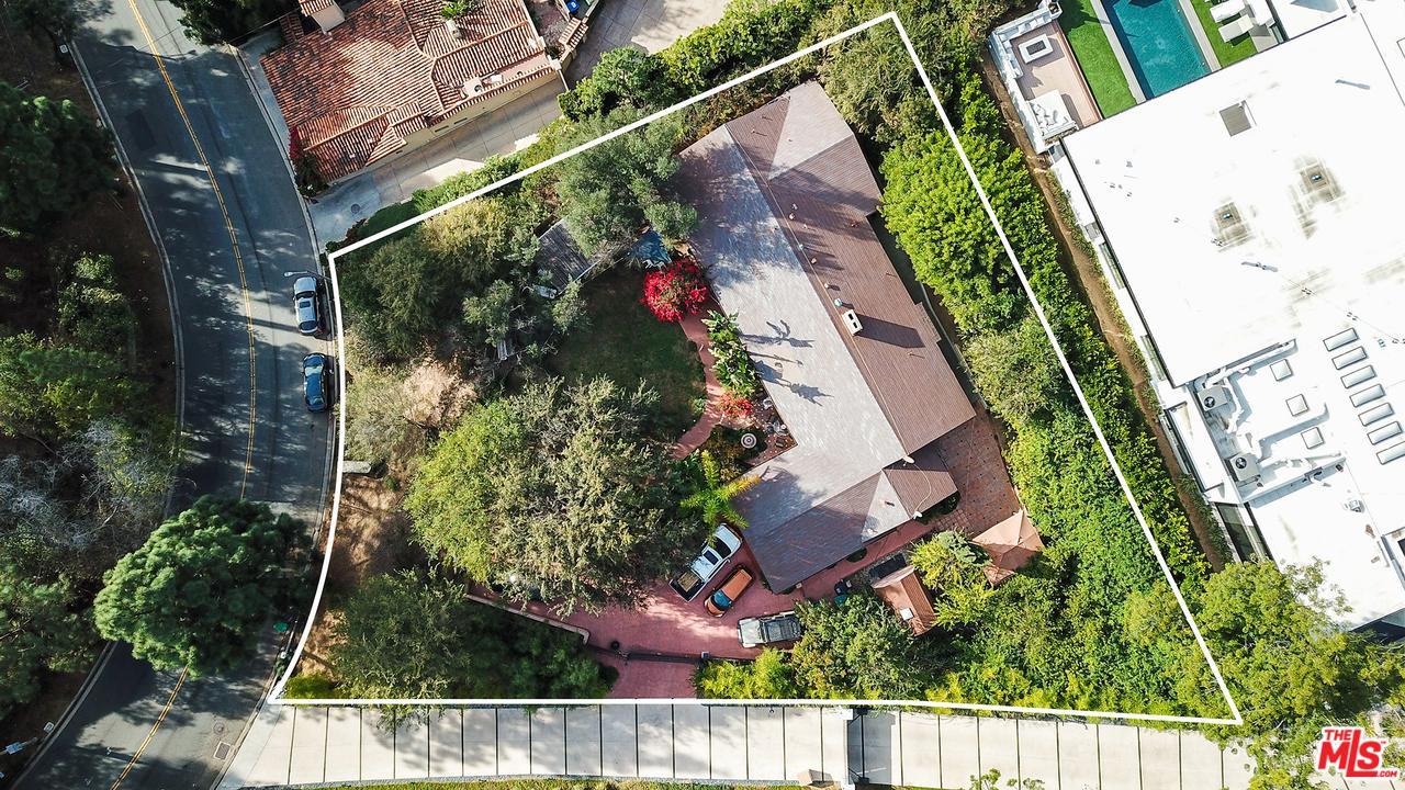 2020 LOMA VISTA Drive - Beverly Hills, California