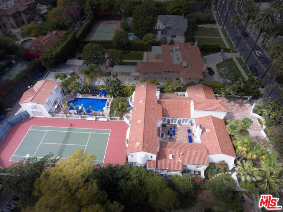 Photo of 915 BENEDICT CANYON DR, Beverly Hills, CA 90210