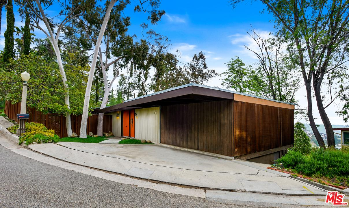 3240 DERONDA, Los Angeles (City), CA 90068