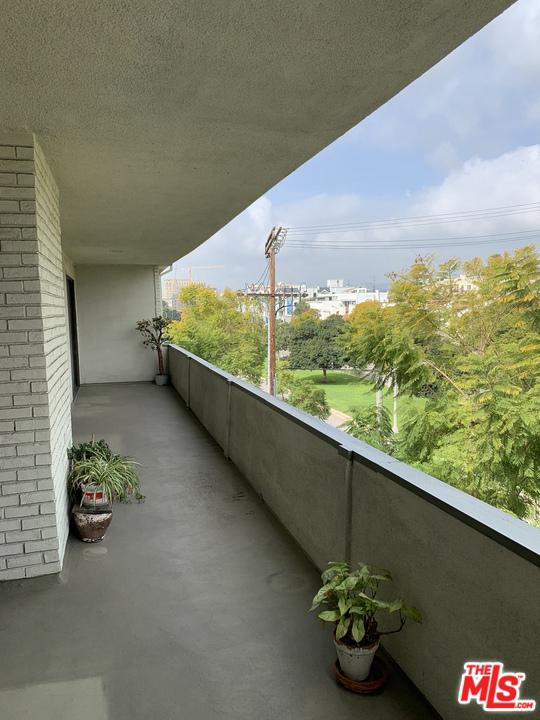8568 BURTON, Los Angeles (City), CA 90048