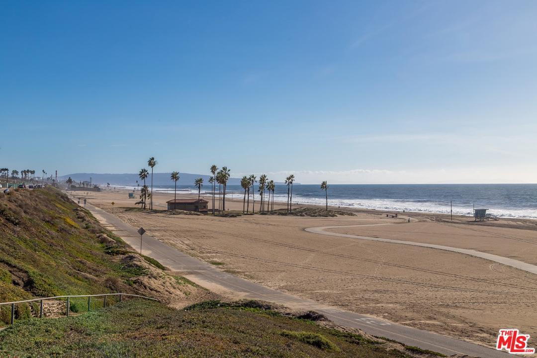 8738 DELGANY, Playa Del Rey, CA 90293