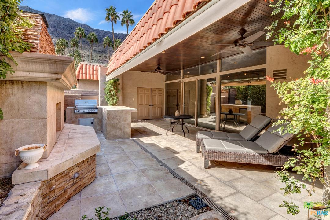 555 BARISTO, Palm Springs, CA 92262