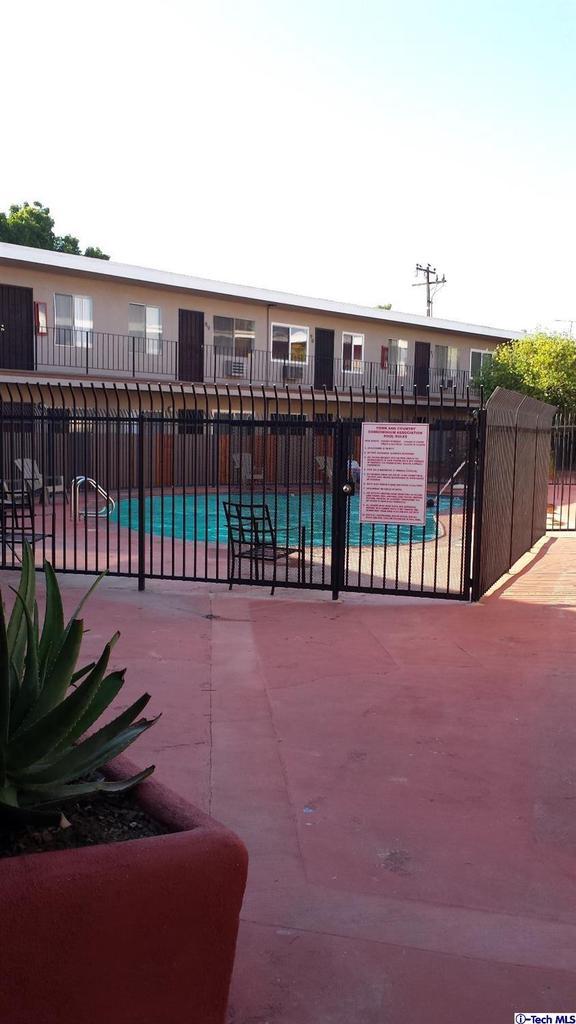 5050 LINDEN, Long Beach, CA 90805