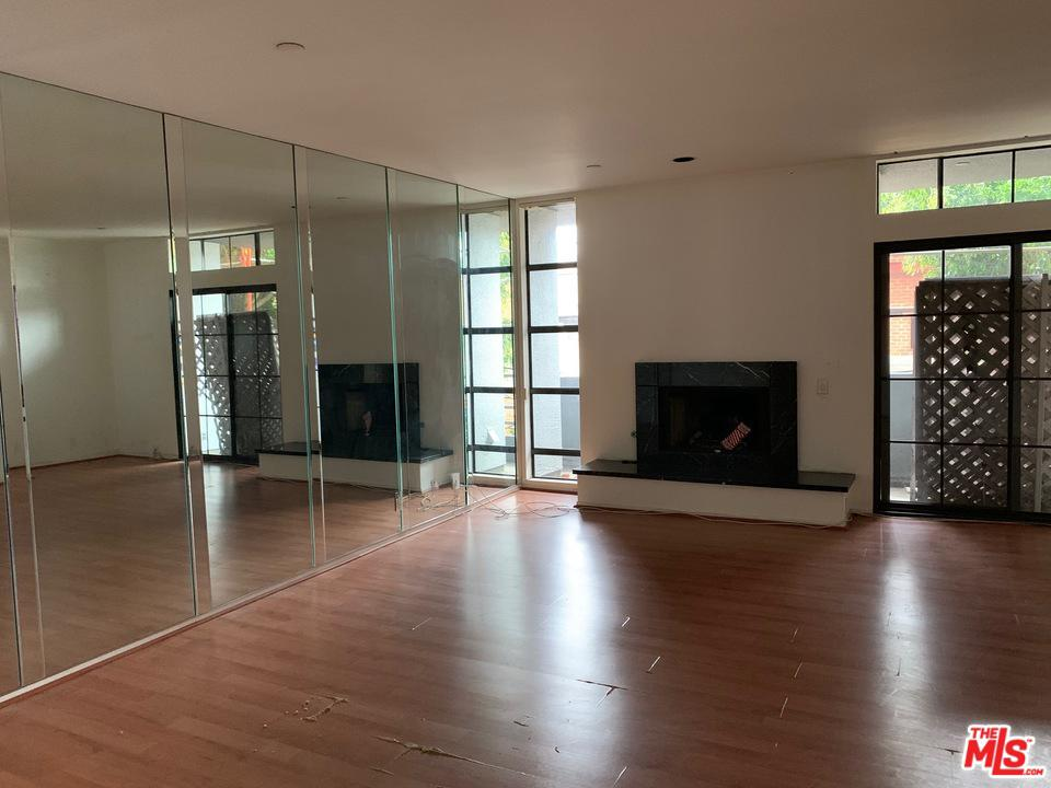 Photo of 235 S REEVES DR, Beverly Hills, CA 90212