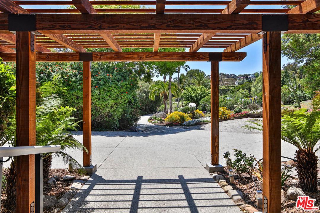 28901 BONIFACE, Malibu, CA 90265