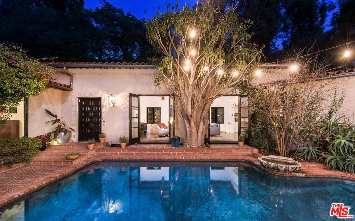 2362 OUTPOST, Los Angeles (City), CA 90068
