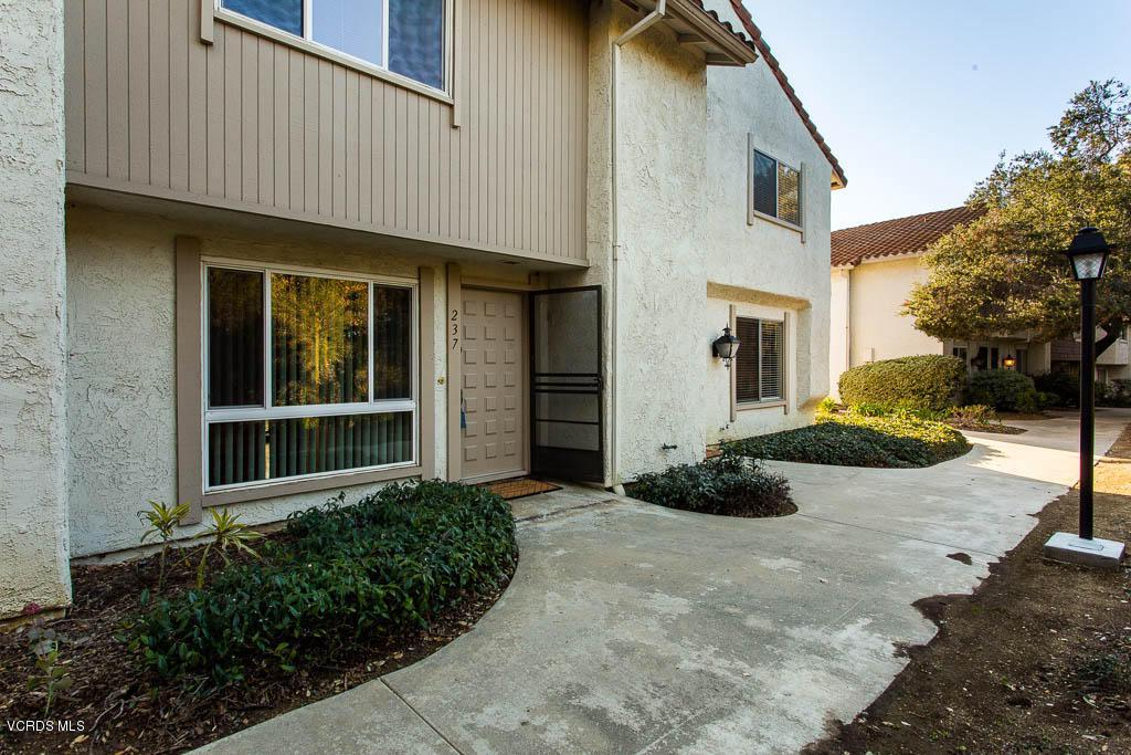 Photo of 237 GREEN HEATH PLACE, Thousand Oaks, CA 91361