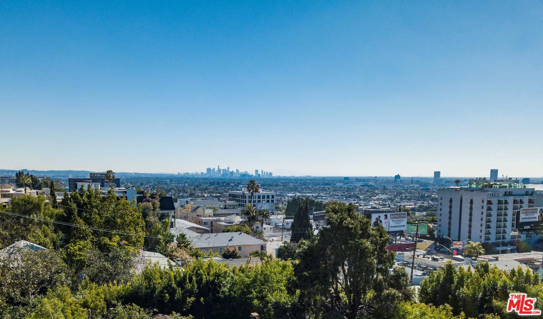 1212 OZETA, Los Angeles (City), CA 90069