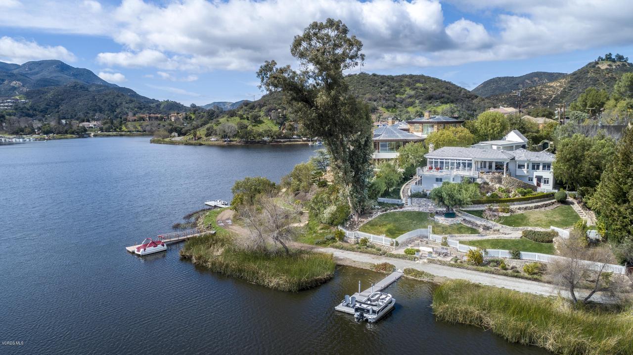 Photo of 296 DAVID LANE, Lake Sherwood, CA 91361