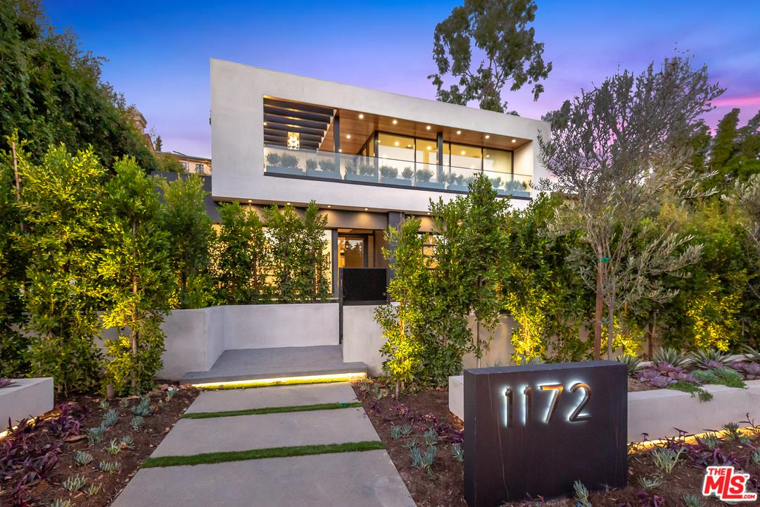 Photo of 1172 N DOHENY DR, Los Angeles, CA 90069