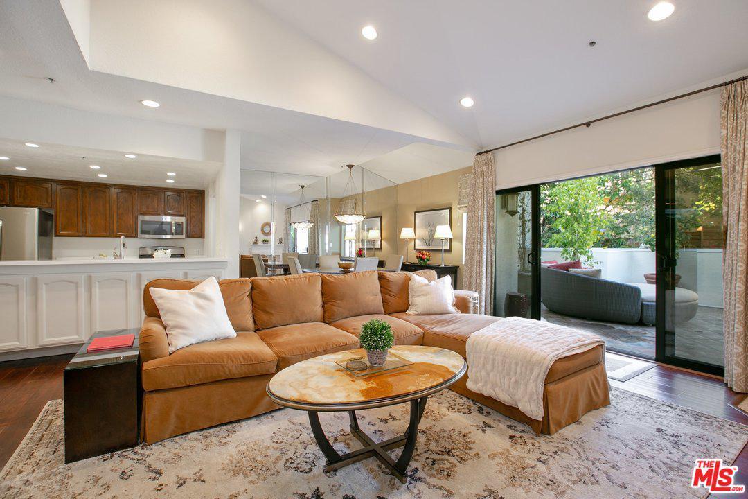 1722 MALCOLM, Los Angeles (City), CA 90024