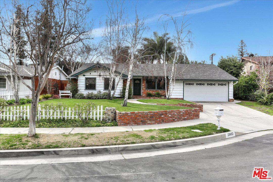 23652 COLLINS, Woodland Hills, CA 91367