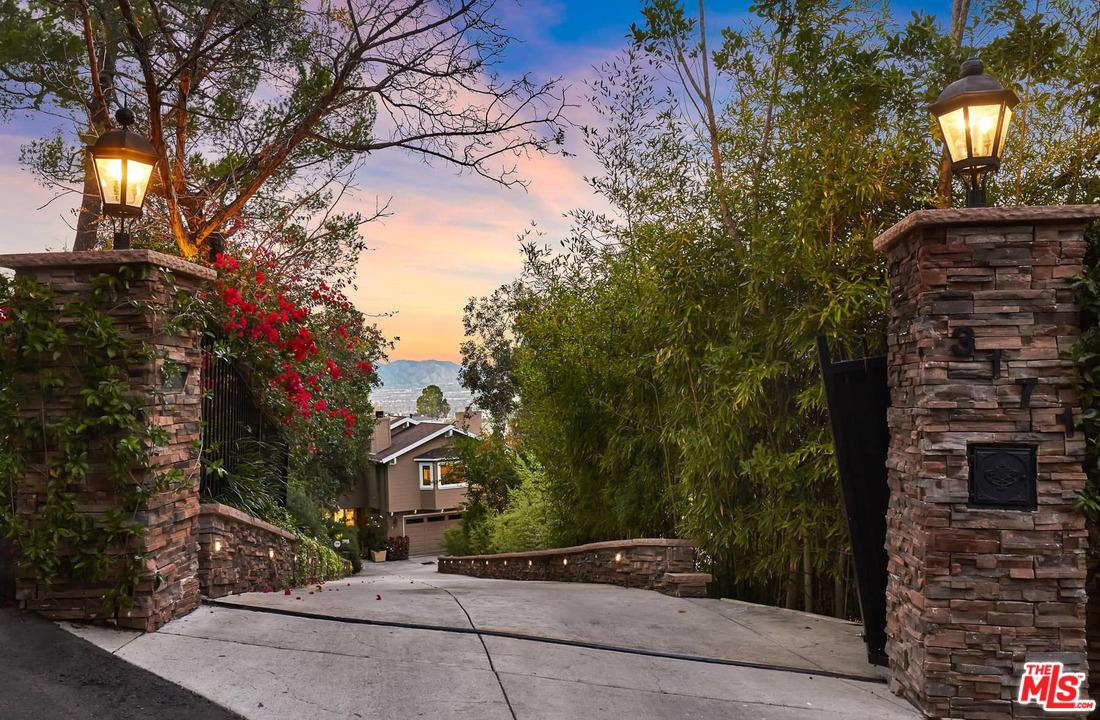 Photo of 3171 COLDWATER CANYON AVE, Studio City, CA 91604