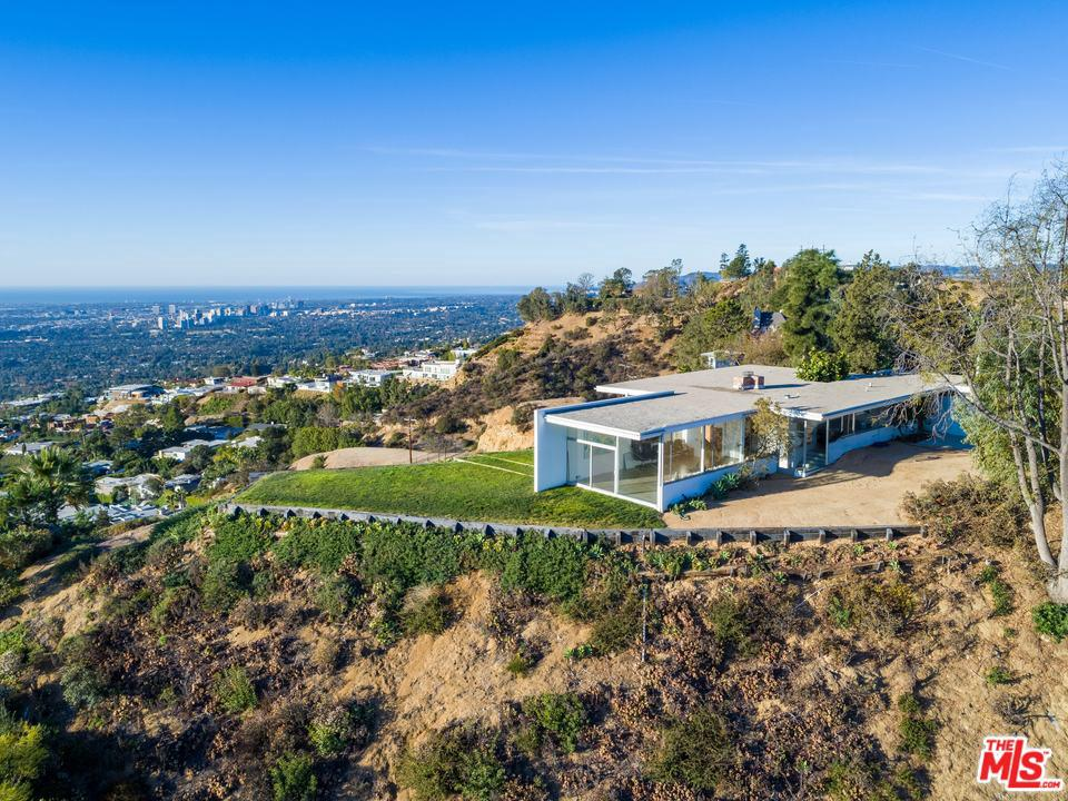 Photo of 2460 SUNSET PLAZA DR, Los Angeles, CA 90069